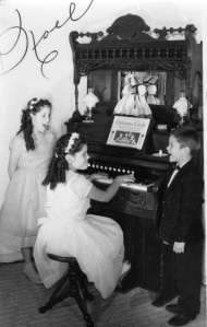 pump organ:Lewis kids519
