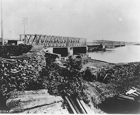 Long Bridge 1865 looking toward Washington DC Image source: Wikimedia Commons Public domain